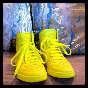 Neon fluo Matte yellow Gucci Sneakers